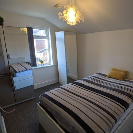 Rent this 1 bed room on Elmfield Road in Doncaster DN1 2AZ, United Kingdom