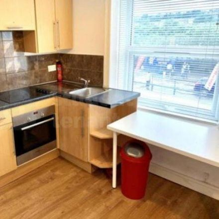 Rent this 1 bed room on Manchester Road Park Road West in Manchester Road, Milnsbridge HD4 5BW