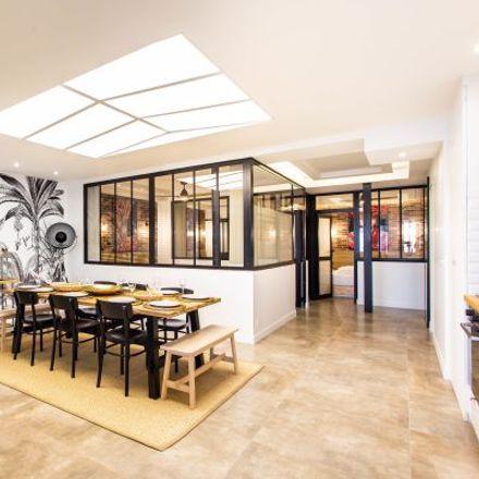 Rent this 5 bed apartment on 13 Impasse Truillot in 75011 Paris, France