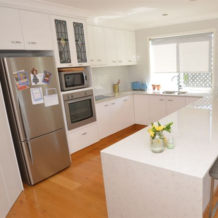 Rent this 4 bed house on 8 Zeller Crescent