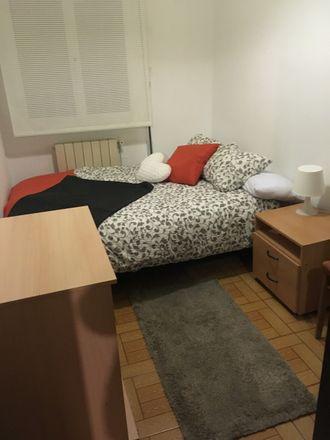 Rent this 4 bed room on Heraclio Fournier Kalea in 01006 Vitoria-Gasteiz, Araba