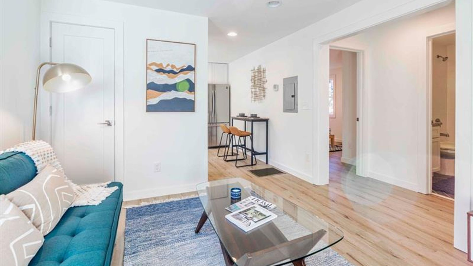 1bed apartment at 1015 greenwood avenue northeast