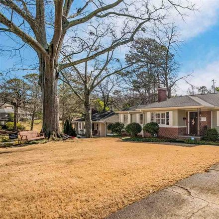 Rent this 3 bed house on 8th Avenue in Birmingham, AL 35224