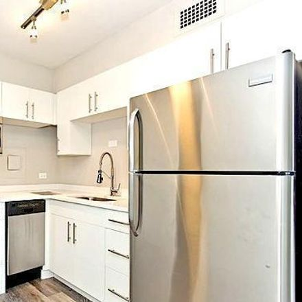 Rent this 1 bed apartment on North Sheridan Road in Chicago, IL 60660