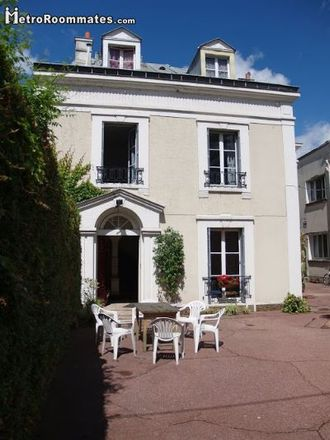 Rent this 5 bed house on 39 Grande Rue in 91600 Savigny-sur-Orge, France