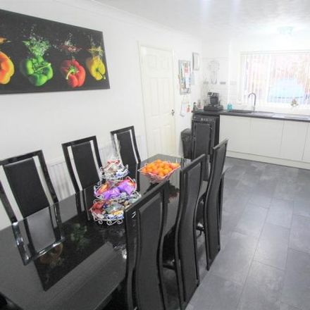 Rent this 3 bed house on Belvoir Walk in Bedford MK41 8JX, United Kingdom