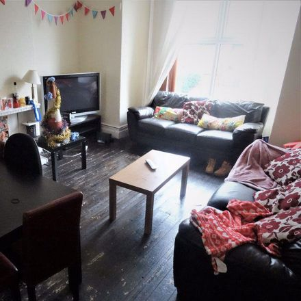 Rent this 7 bed house on Brudenell Avenue in Leeds LS6 1HU, United Kingdom