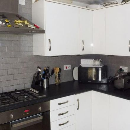 Rent this 4 bed house on High View Primary Learning Centre in Highfield Court, Wombwell