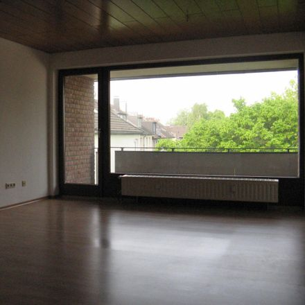 Rent this 2 bed apartment on Altendorfer Straße 362 in 45143 Essen, Germany
