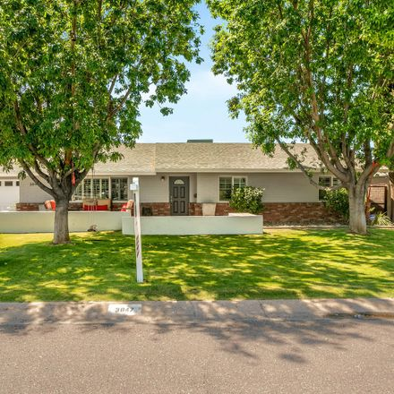 Rent this 4 bed house on 3847 East Highland Avenue in Phoenix, AZ 85018