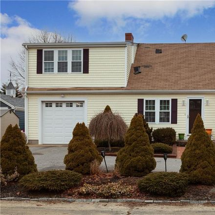 Rent this 2 bed apartment on 16 Dewey Avenue in Tiverton, RI 02878