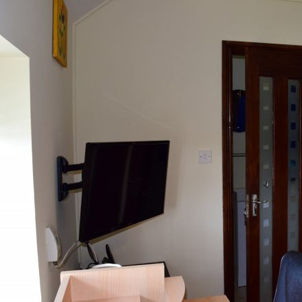 Rent this 4 bed apartment on Quarry Road in Cabra East B ED, Dublin