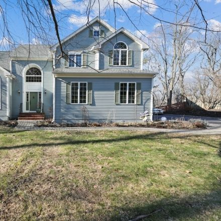 Rent this 5 bed house on Morris Ave in Morristown, NJ