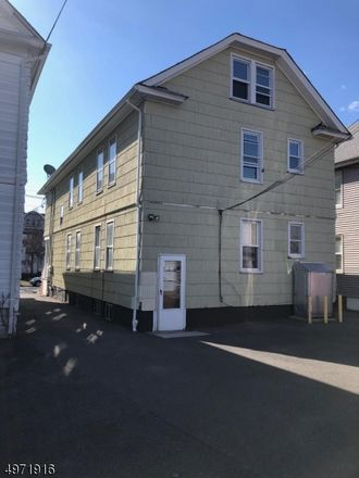 Rent this 3 bed apartment on Jersey Ave in Elizabeth, NJ