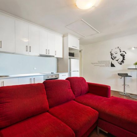 Rent this 1 bed apartment on 13/27 Princess Street
