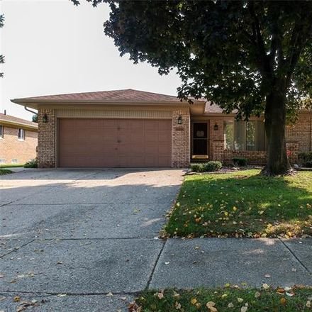 Rent this 3 bed house on 43404 Vinsetta Drive in Sterling Heights, MI 48313