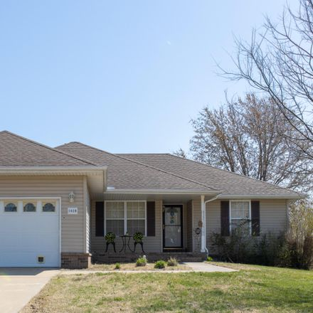 Rent this 3 bed house on 1028 North Shelly Lane in Republic, MO 65738
