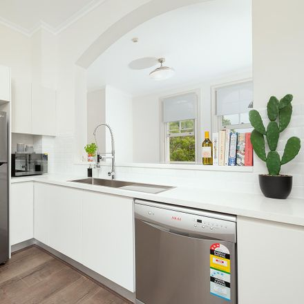 Rent this 1 bed apartment on 73 Windmill St
