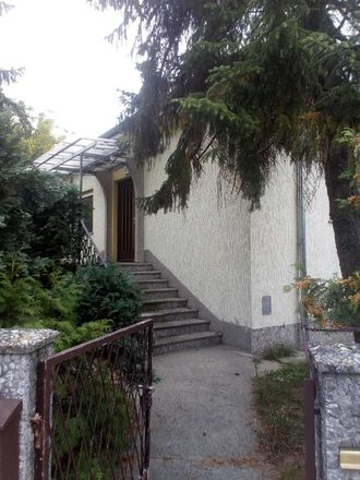 Rent this 5 bed house on Girlitzweg 7 in 12357 Berlin, Germany