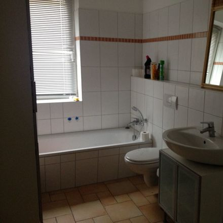 Rent this 3 bed apartment on Berner Heerweg 80 in 22159 Hamburg, Germany