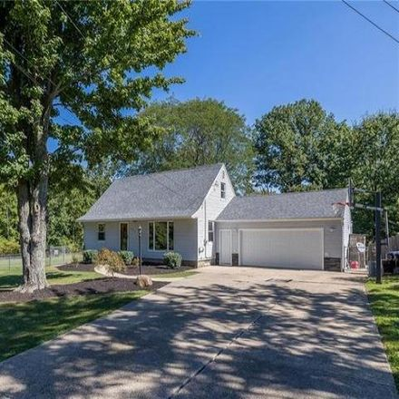 Rent this 3 bed house on 599 Lakewood Avenue in Brunswick, OH 44212
