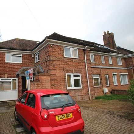 Rent this 8 bed apartment on Grays Road Store in Grays Road, Oxford OX3 7PU