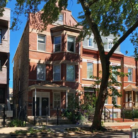 Rent this 2 bed condo on 917 North Hermitage Avenue in Chicago, IL 60622