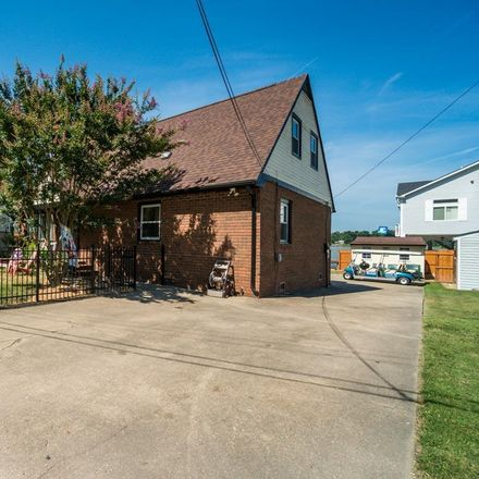 Rent this 3 bed house on 323 Monroe Bay Avenue in Colonial Beach, VA 22443