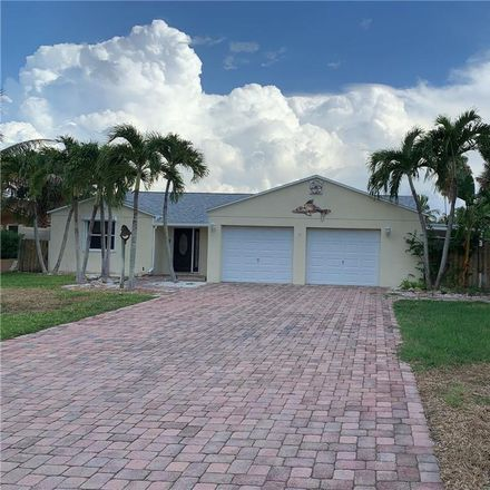 Rent this 3 bed house on Bayshore Drive in Seminole, FL 33708