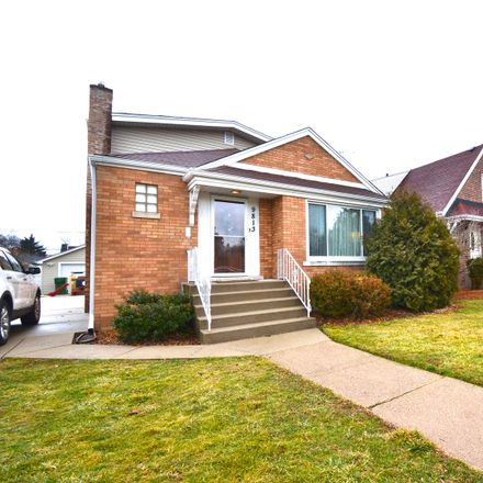 Rent this 3 bed house on 9813 South Trumbull Avenue in Evergreen Park, IL 60805