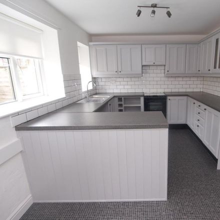 Rent this 2 bed house on New Street in High Peak SK22 4PE, United Kingdom