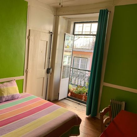 Rent this 3 bed room on Tv. dos Inglesinhos in 1200-190 Lisboa, Portugal