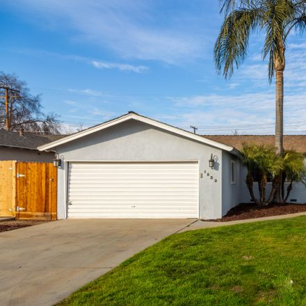 Rent this 3 bed house on 1532 West Victor Avenue in Visalia, CA 93277