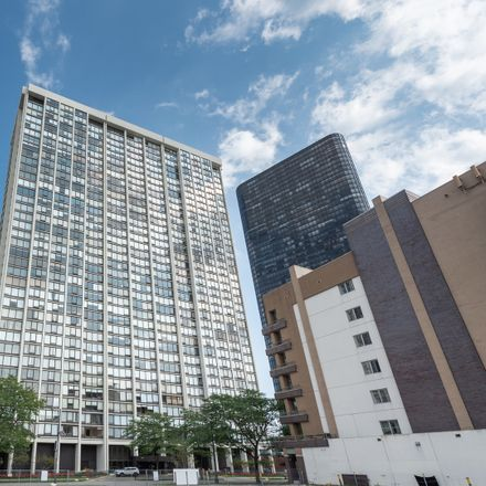 Rent this 1 bed condo on 5445-5447 North Sheridan Road in Chicago, IL 60626