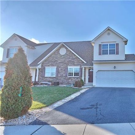 Rent this 3 bed duplex on 889 Graystone Circle in Allen Township, PA 18067