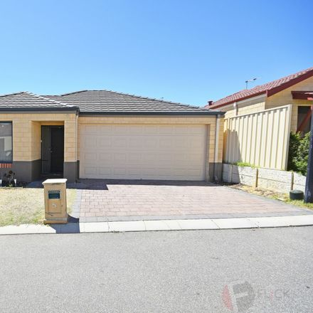 Rent this 3 bed house on 5 Kelso Close