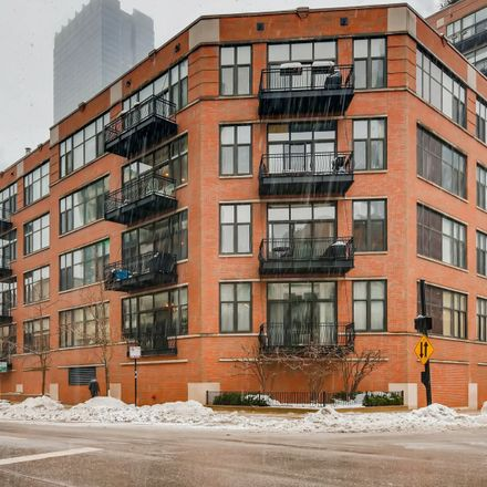 Rent this 2 bed condo on 333 West Hubbard Street in Chicago, IL 60654