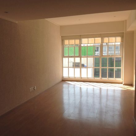 Rent this 2 bed apartment on Calle Indianápolis in Nápoles, 03810