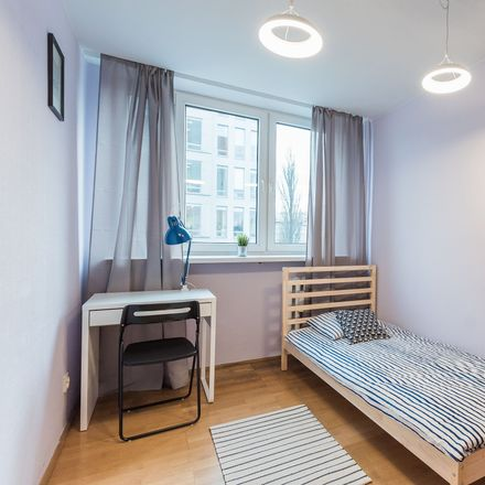 Rent this 3 bed room on Antoniego Malczewskiego 48/50 in 02-622 Warsaw, Poland