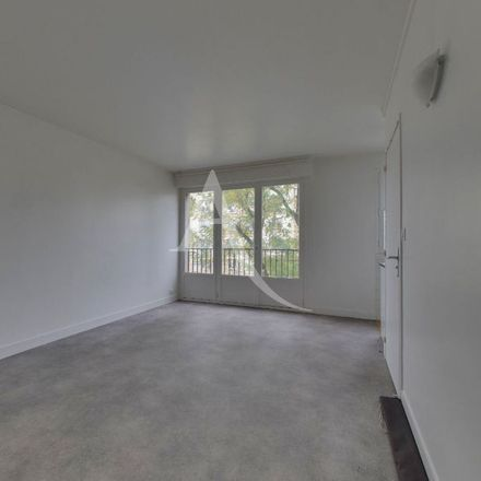 Rent this 1 bed apartment on 226 Rue de Romainville in 93100 Montreuil, France