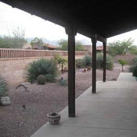 Rent this 2 bed townhouse on 5096 N Via Velazquez in Tucson, AZ