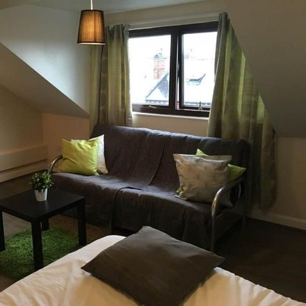 Rent this 1 bed room on Back Clovelly Place in Leeds LS11 6EE, United Kingdom