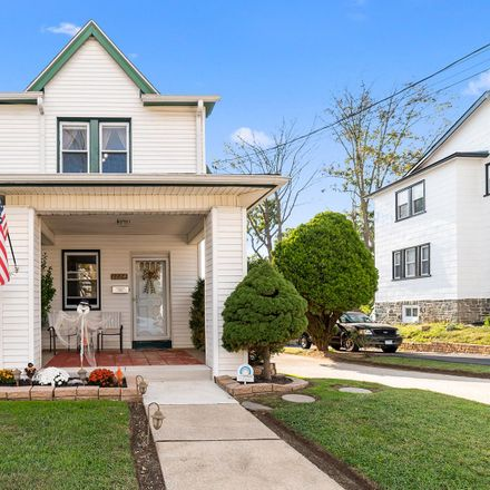 Rent this 3 bed townhouse on Myrtlewood Ave in Havertown, PA