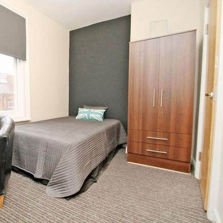 Rent this 4 bed house on Back Glossop Street in Leeds LS6 2LF, United Kingdom