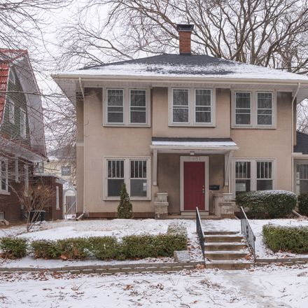 Rent this 3 bed house on 1415 North Clinton Boulevard in Bloomington, IL 61701