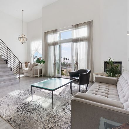 Rent this 2 bed condo on 118 South Kenwood Street in Glendale, CA 91205