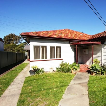 Rent this 1 bed house on Room 1/21 Wilkinson Avenue