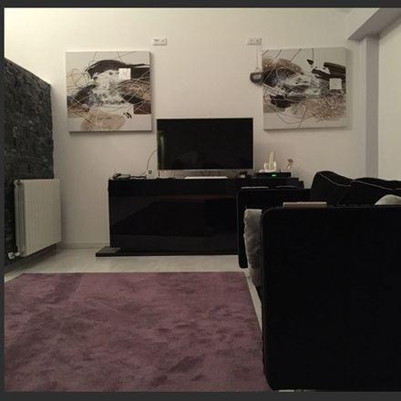 Rent this 3 bed room on Plaza de Miguel Salamero in 50004 Zaragoza, España