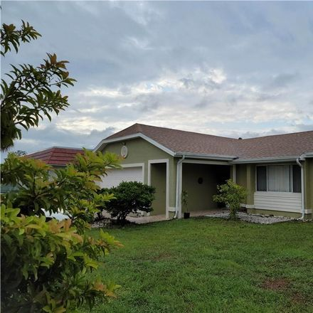 Rent this 3 bed house on Elkwood Ct in Kissimmee, FL