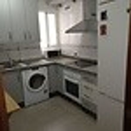 Rent this 2 bed room on Calle Ollerías in 27, 29012 Málaga